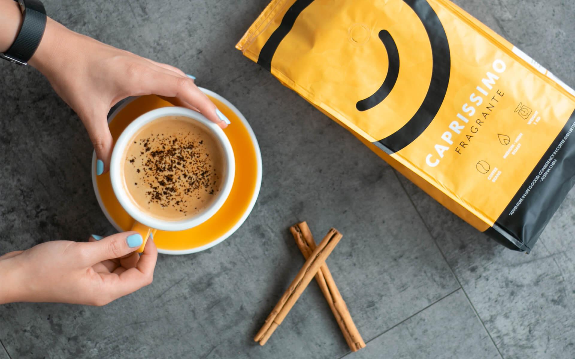 Melna kafija ar kanēli
