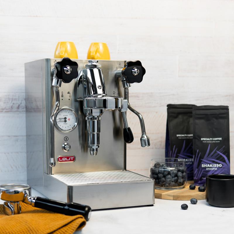 Pusautomātiskais kafijas automāts