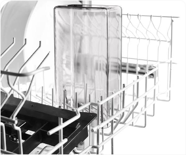 Visas piena pagatavošanas sistēmas daļas ir piemērotas mazgāšanai trauku mašīnā.